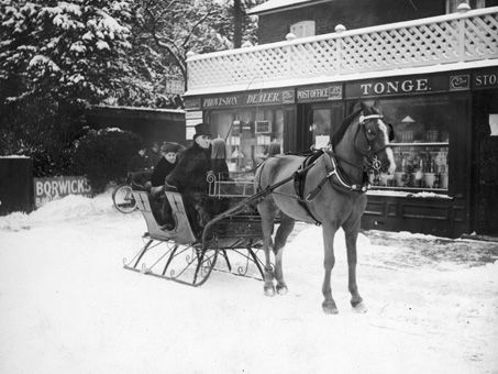 The Banstead 'Steppes'. Shopping by sleigh during the snow, 26 January 1926. (Photograph by C Friend-Smith). Surrey History Centre reference: 7828/2/11/29.
