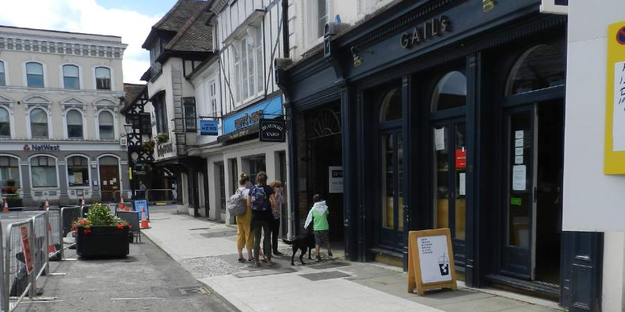 Join the discussion about Farnham's Highstreet