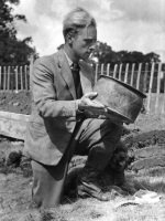 Brian Hope-Taylor holding a 12th century cooking pot