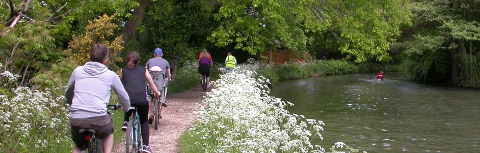 Basingstoke Canal cBasingstoke Canal cyclists Cow parsley carouselyclists_Cow parsley carousel